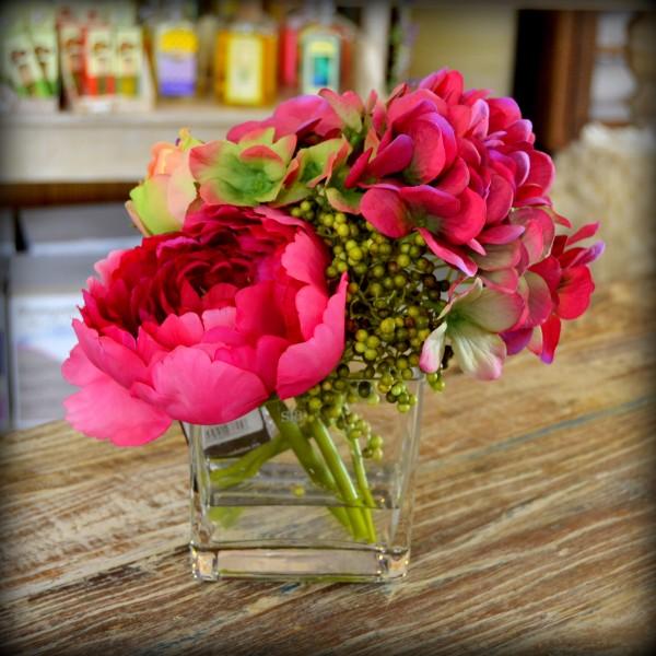 Jarrón con flores - Flores La Plaza. Cangas del Narcea. Teléfono 985 ...